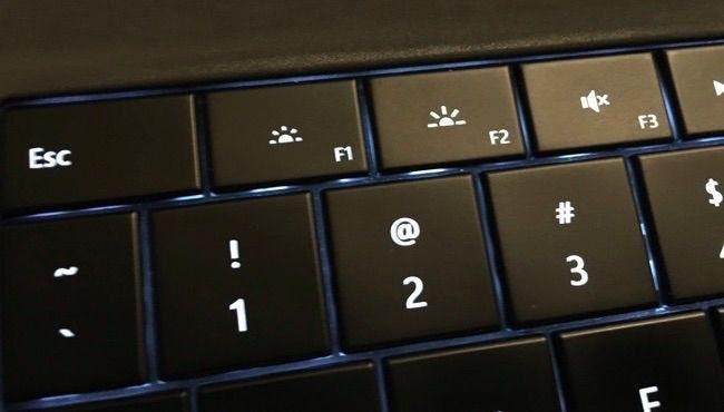 جایگزینی تنظیم نور صفحه
